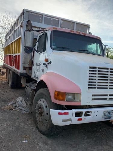 vendo camion sencillo y un doble eje.  84746351