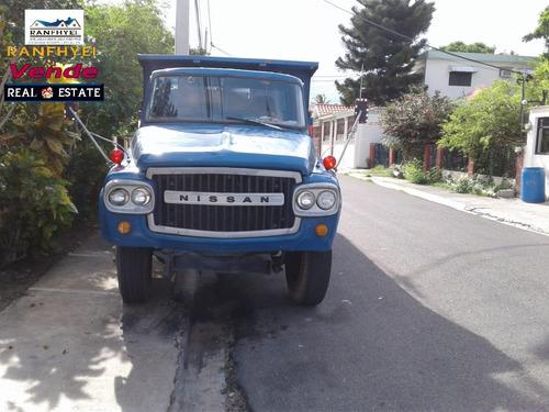 vendo camiones nissan en buena condición en rd$590,000 ca