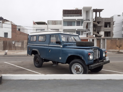 vendo  camioneta clasica land rover panel 109