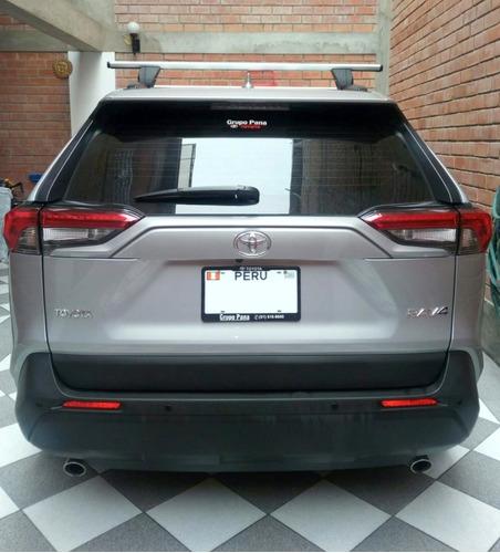 vendo camioneta rav4 modelo 2020 full equipo, sólo 5000 km.