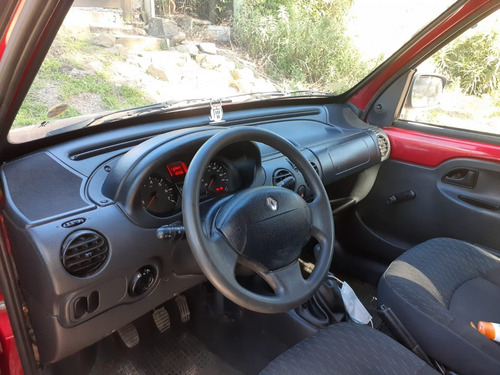 vendo camioneta renault kangoo buen estado única dueña