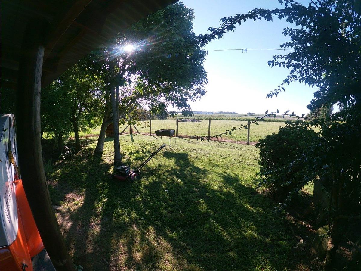 vendo campo 8 has, 3 casas, galpón, viña montevideo rural