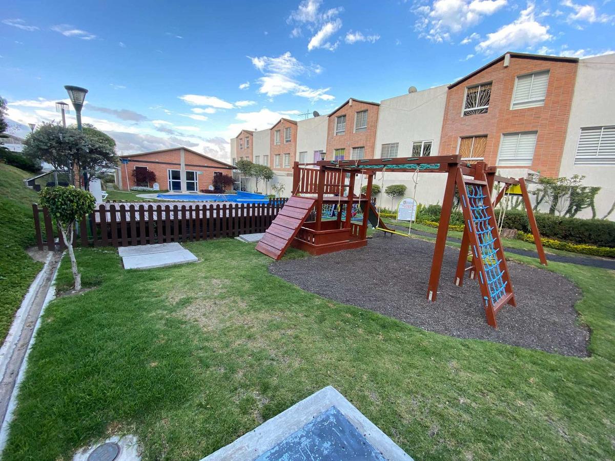vendo casa 138m2, sector pomasqui, 3 pisos, piscina, gym