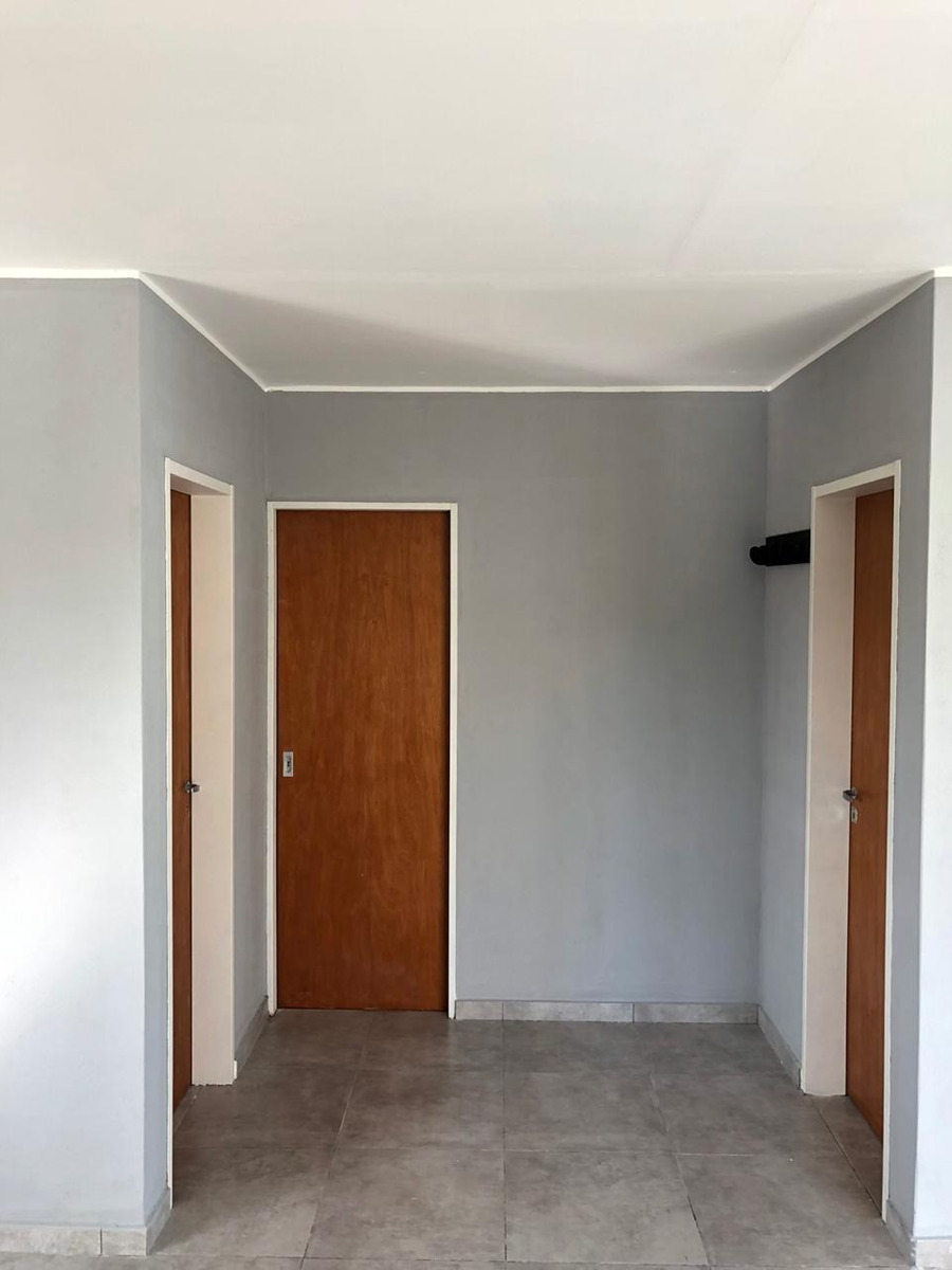 vendo casa 2 habitaciones,baño, comedor, cocina y pileta.