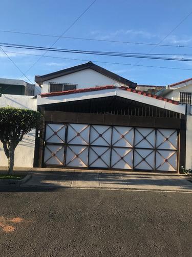 vendo casa  $ 260 000 .00 negociable
