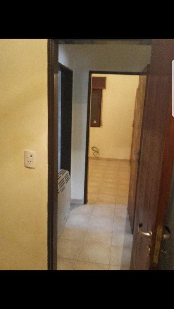 vendo casa 3 dorm con pileta cerca del centro recibe dpto en cordoba