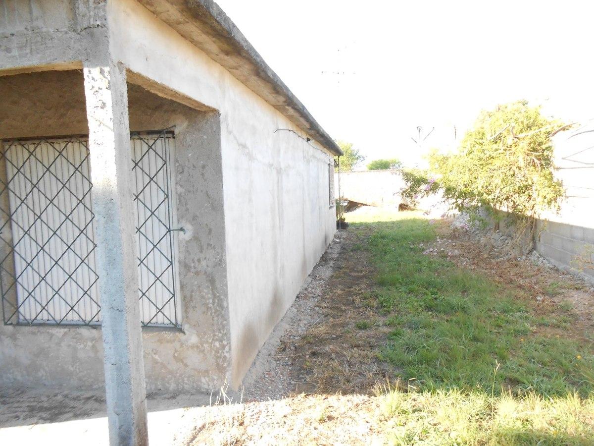 vendo casa 3 dormitorios b/terreno muy buena construcción!!!