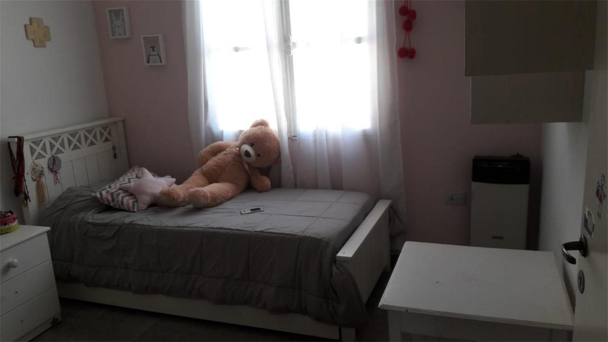 vendo casa 3 dormitorios en barrio natania 19-apto credito