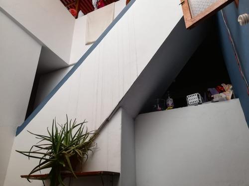 vendo casa 3 pisos