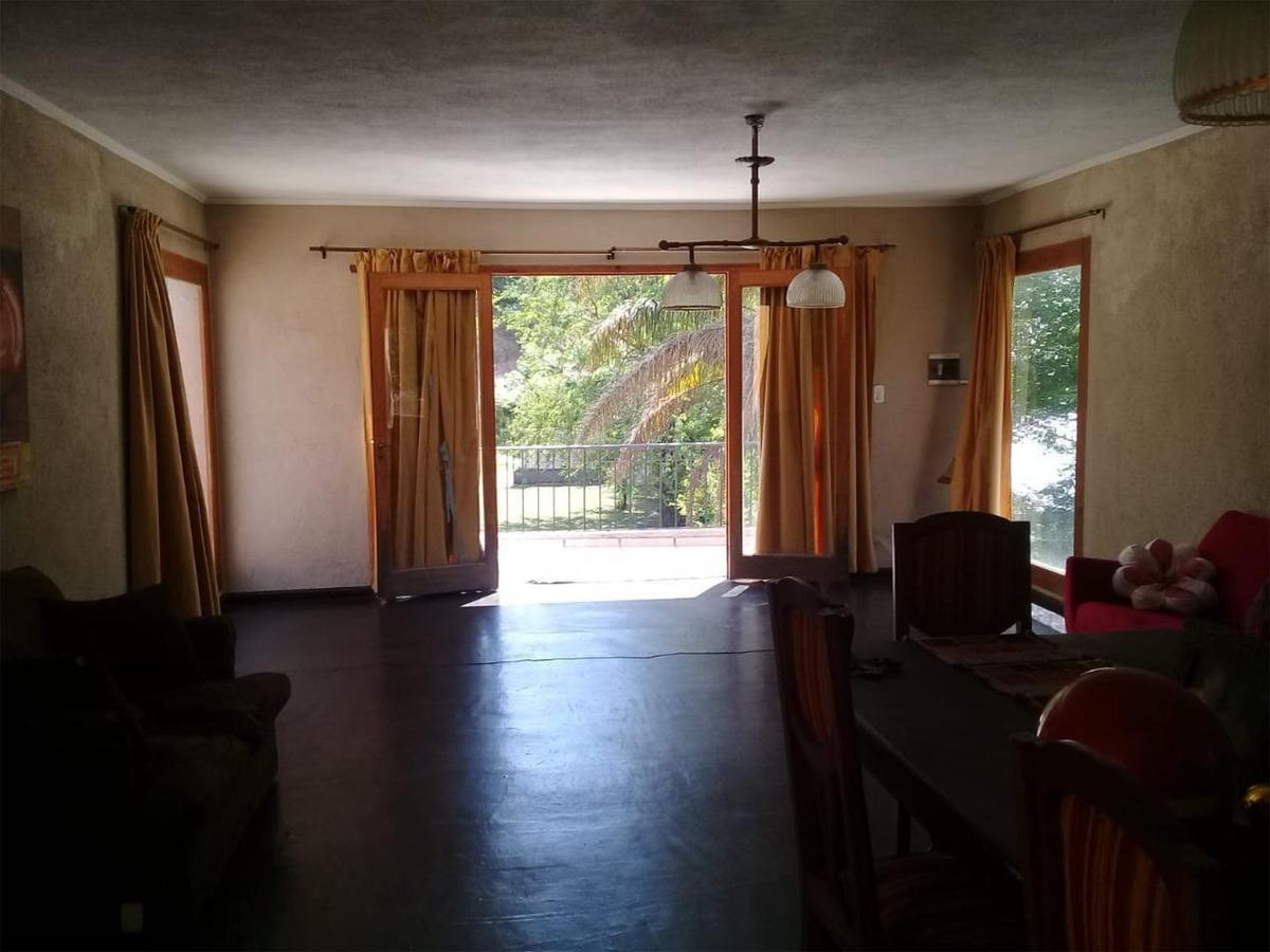 vendo casa 3/4 dorm, pileta, gran terreno, centro mendiolaza