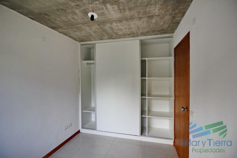 vendo casa a estrenar de 2 dormitorios en pinares, punta del este.-ref:2781