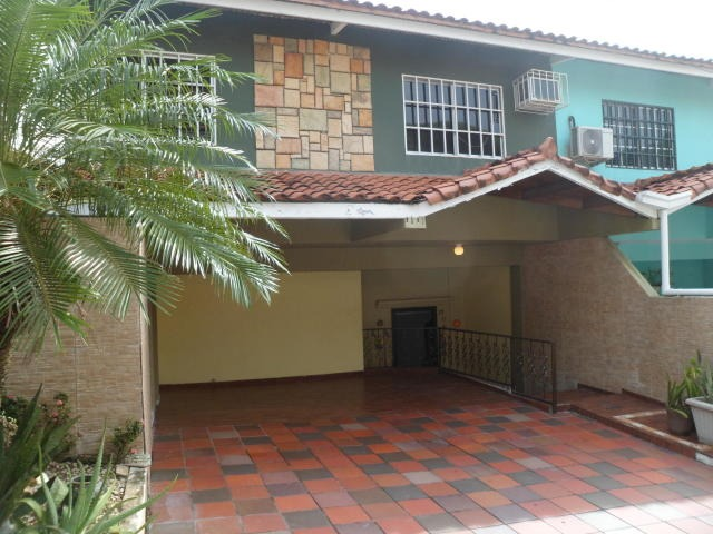 vendo casa acogedora en altos de panamá 18-8575**gg**