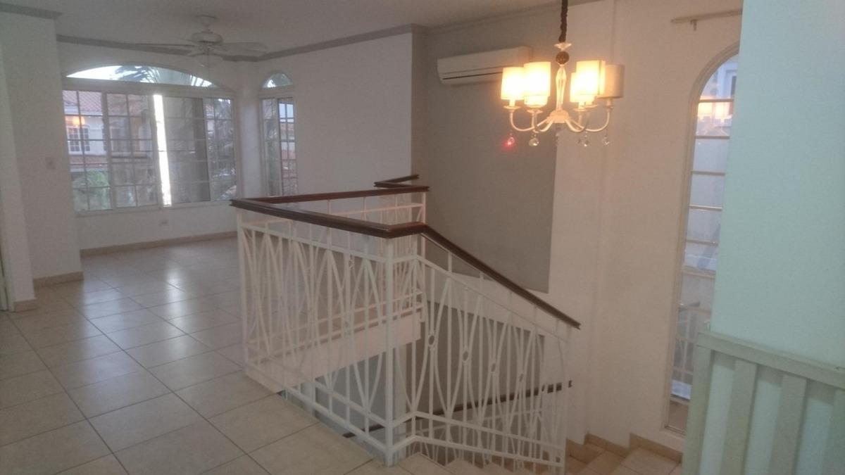 vendo casa amoblada en ph villa valencia, costa sur 19-6587*
