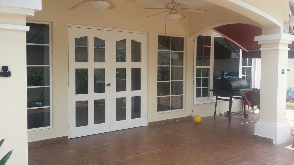 vendo casa amoblada en ph villa valencia, costa sur 19-6587