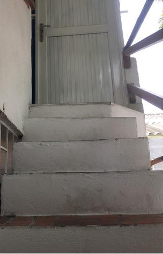 vendo casa amplia en el barrio los andes