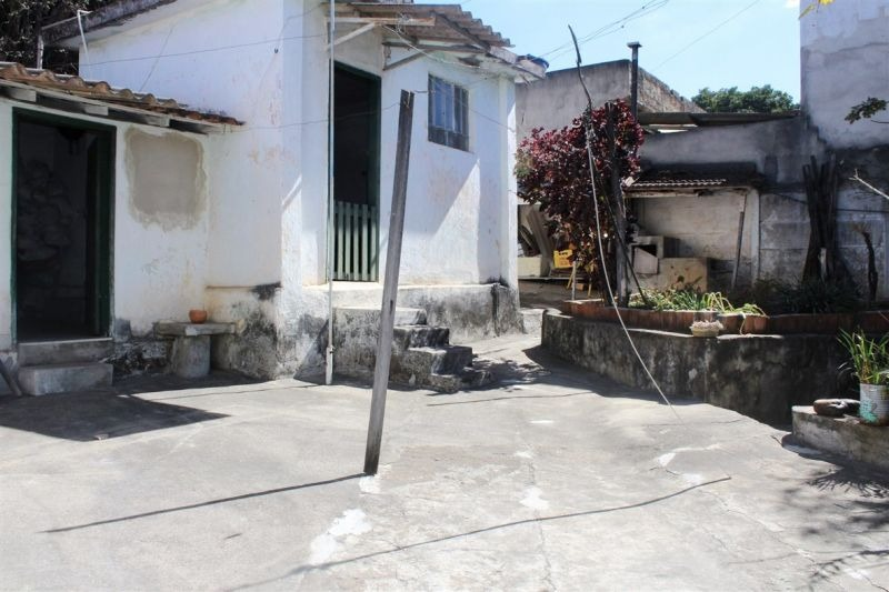vendo casa antiga no santa branca - 3665