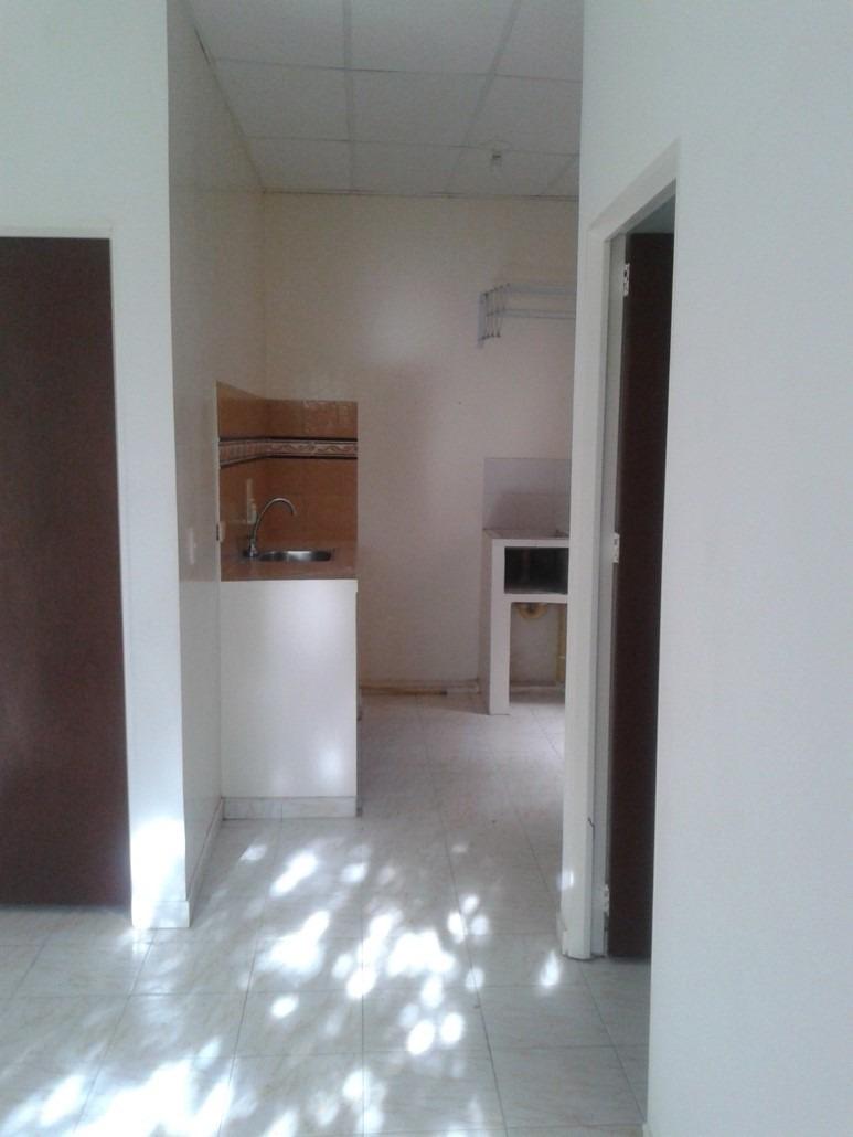 vendo casa barata con tres apartamentos en yopal - casanare