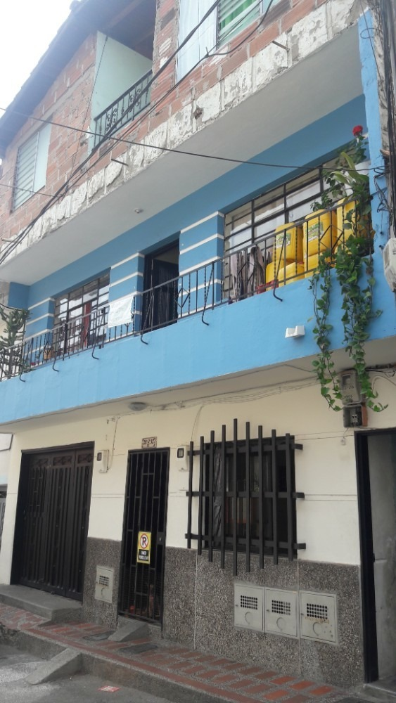 vendo casa barrio zamora bello. $ 145.000.000.00