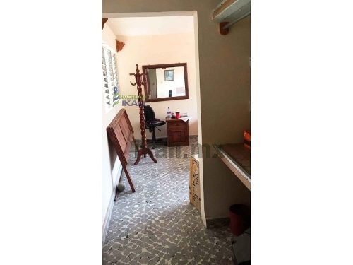 vendo casa col petromex poza rica veracruz 5 habitaciones, se encuentra ubicada en la calle interior del campo # 20 de la colonia petromex, cuenta con 435 m² de terreno y 120 m² de construcción, sala