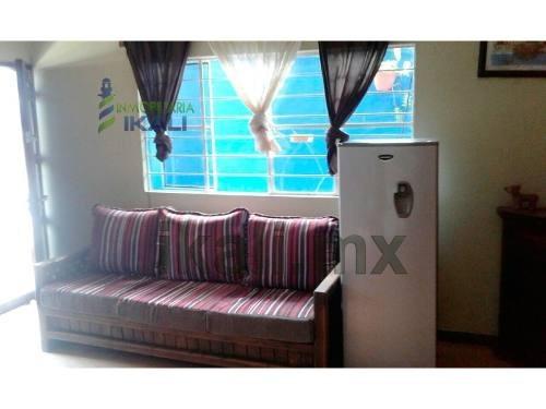 vendo casa col ruiz cortines tuxpan veracruz 2 recámaras, se encuentra ubicada en la colonia ruiz cortines muy cerca del oxxo, cuenta con sala, comedor, cocina, 2 recamaras, 1 baño, patio trasero, ar
