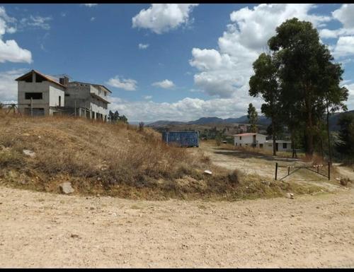 vendo casa con 2 edificios. área 5000m2 - cajamarca