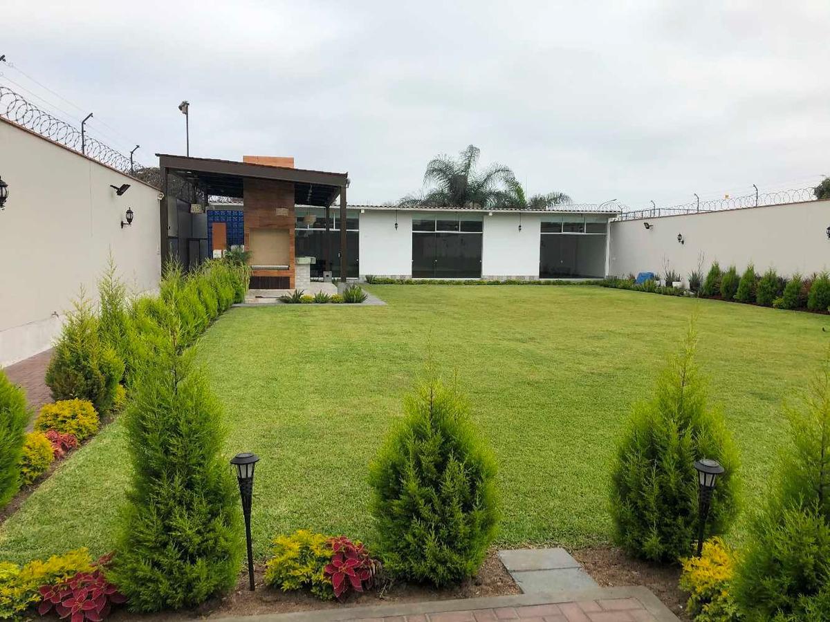 vendo casa con ambiente amplio para recepciones y eventos