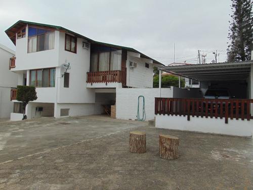 vendo casa con amplio terreno y excelente ubicación