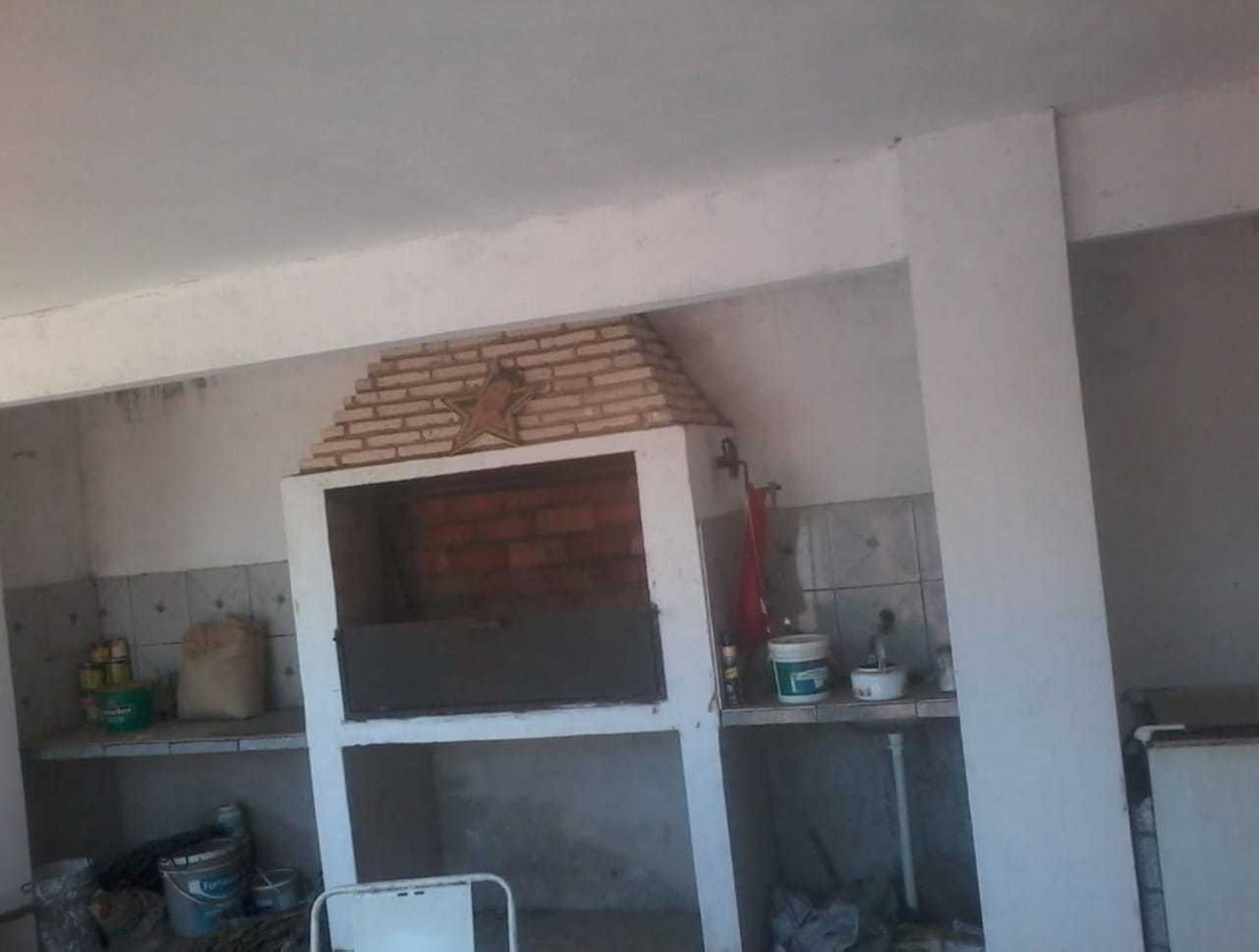 vendo casa con excelente ubicación en lambare. m6011.