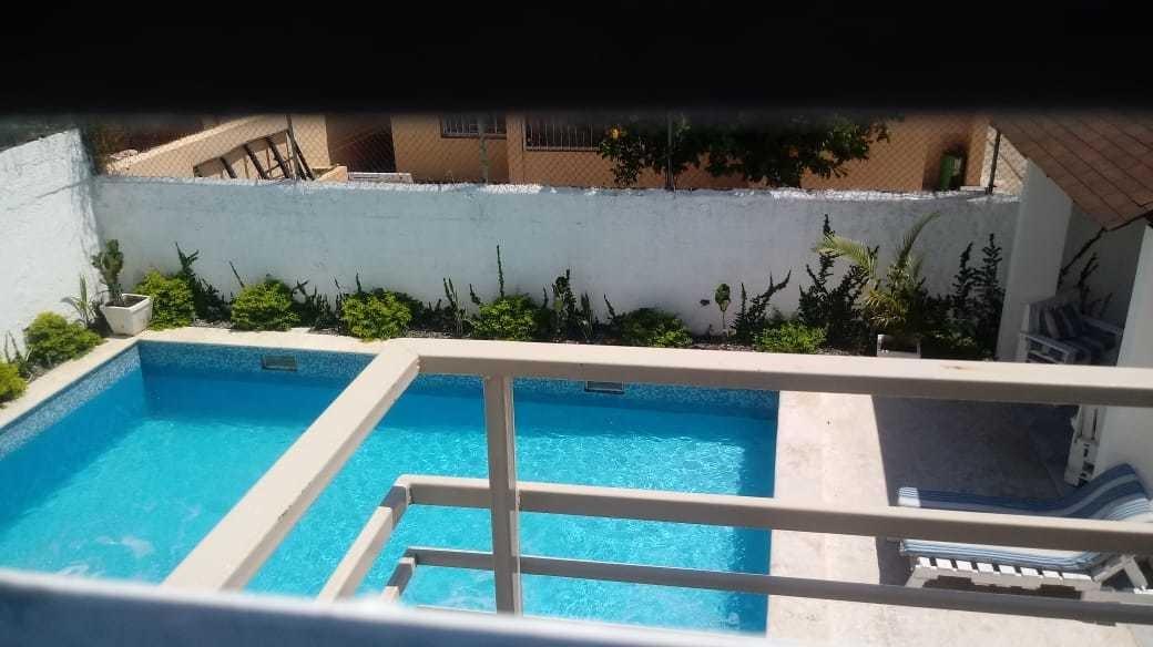 vendo  casa con piscina  en las arecas