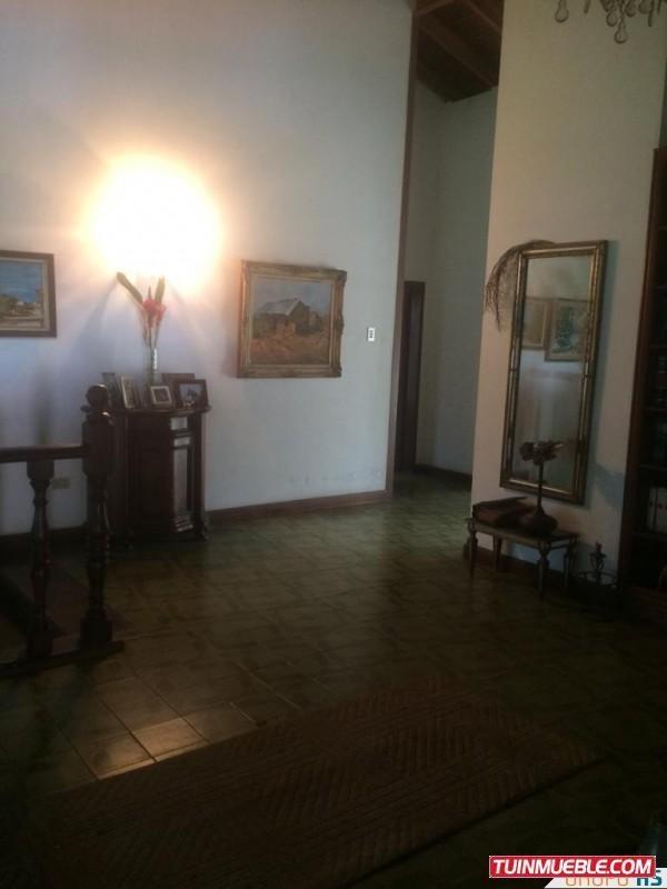vendo casa con terreno de (1800mts) en el castaño, maracay