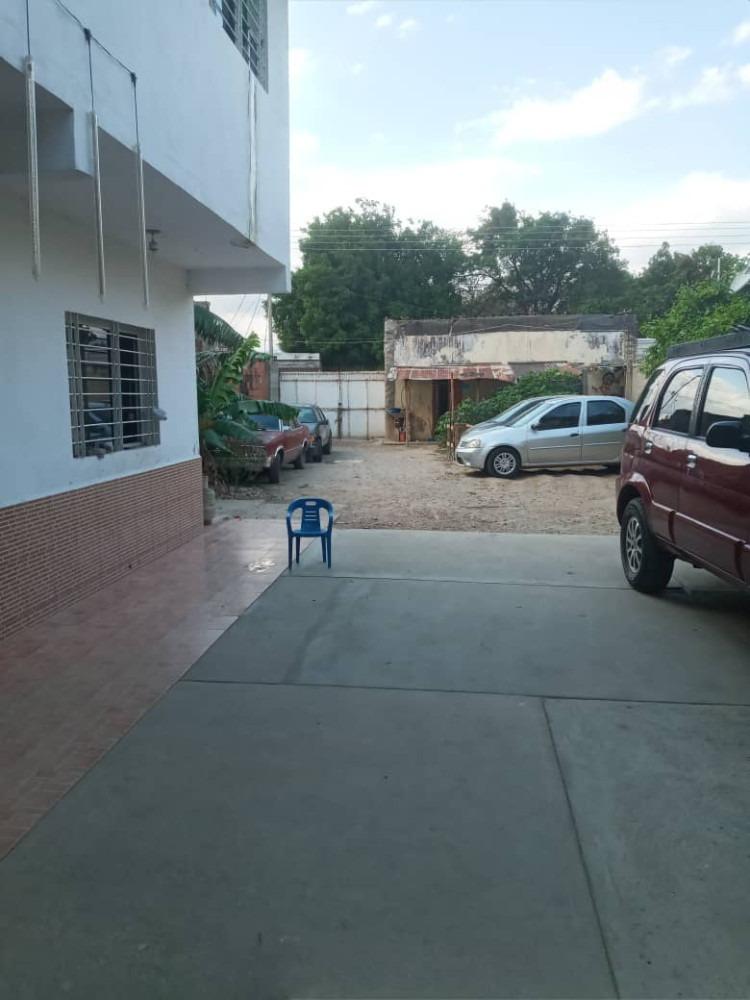 vendo casa con terreno en centro de cagua con proyecto