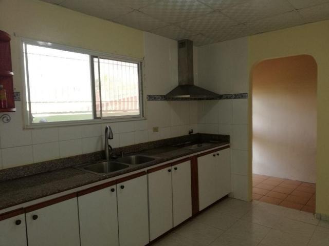 vendo casa confortable en brisas del golf 18-3376**gg**