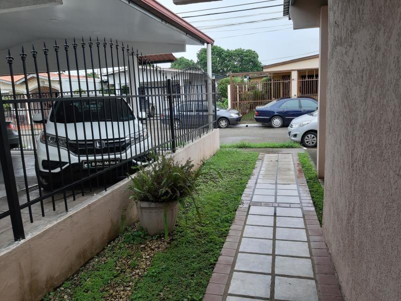 vendo casa confortable en la fontana, chanis 19-7766**gg**