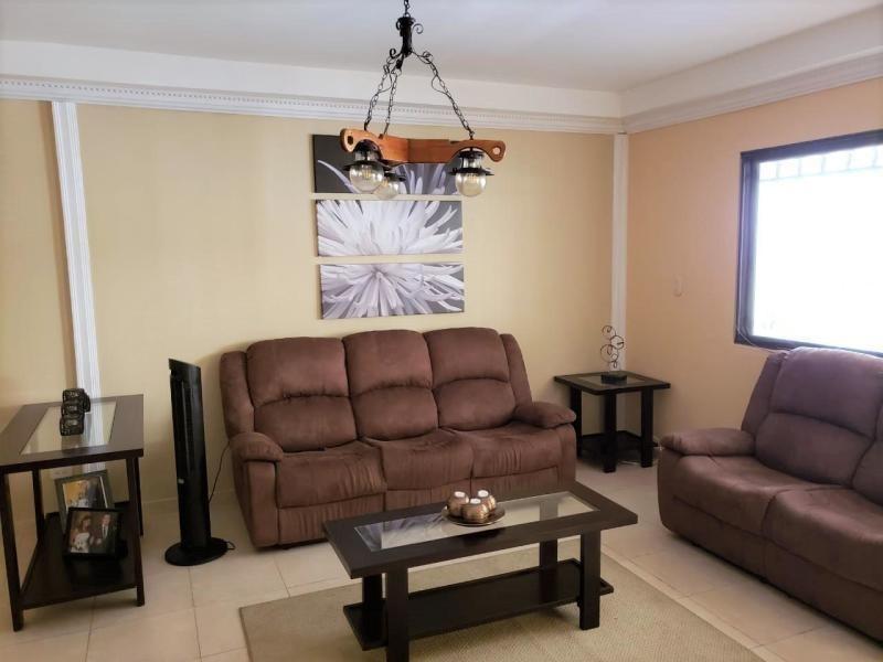 vendo casa confortable en quintas de cerro viento 19-11635**