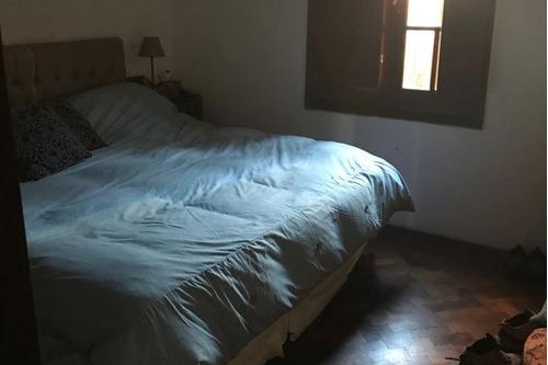 vendo casa de 2 dormitorios en zeballos al 4300