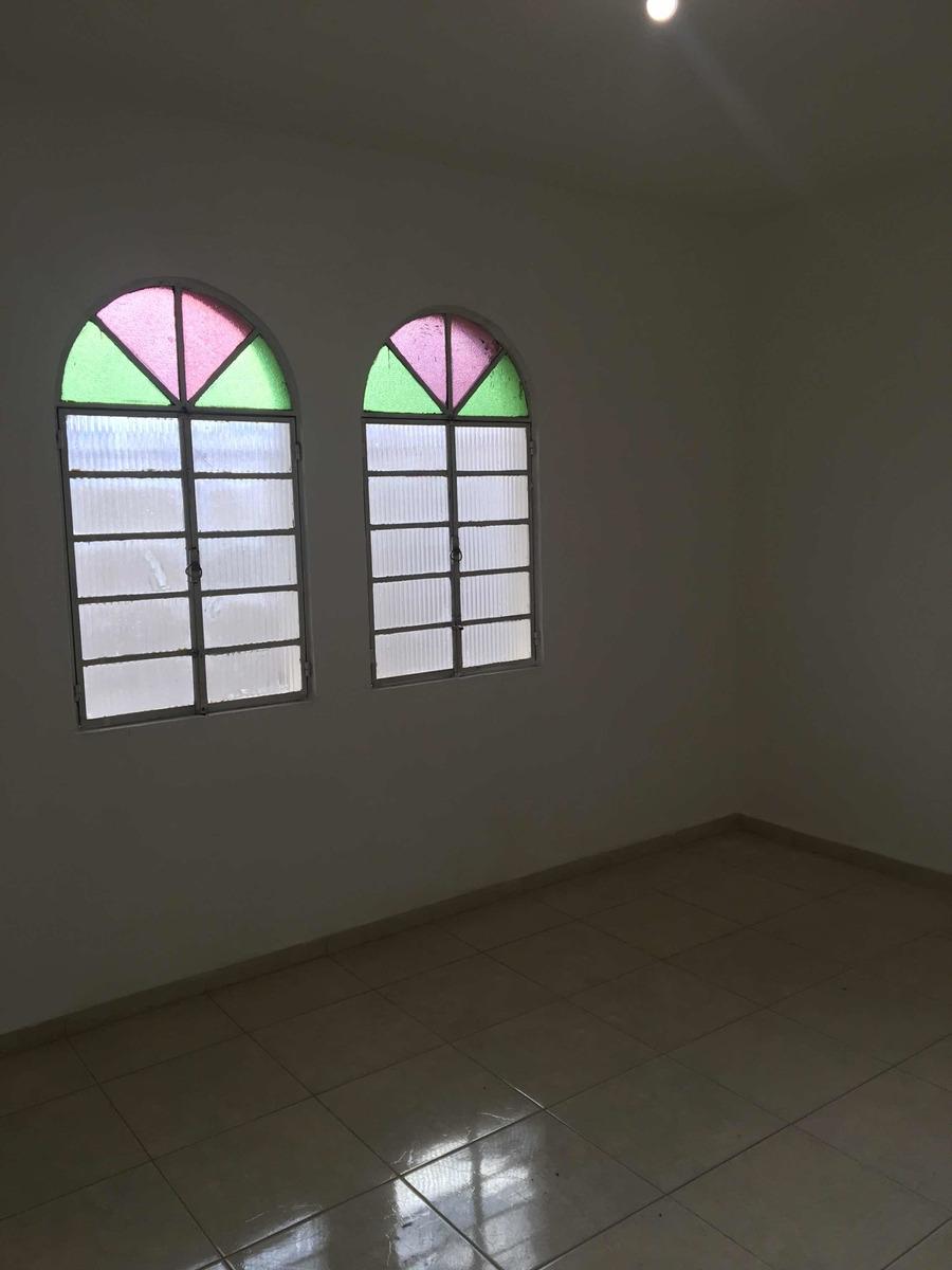 vendo casa de 2 pavimentos no b. jardim petrópolis em betim