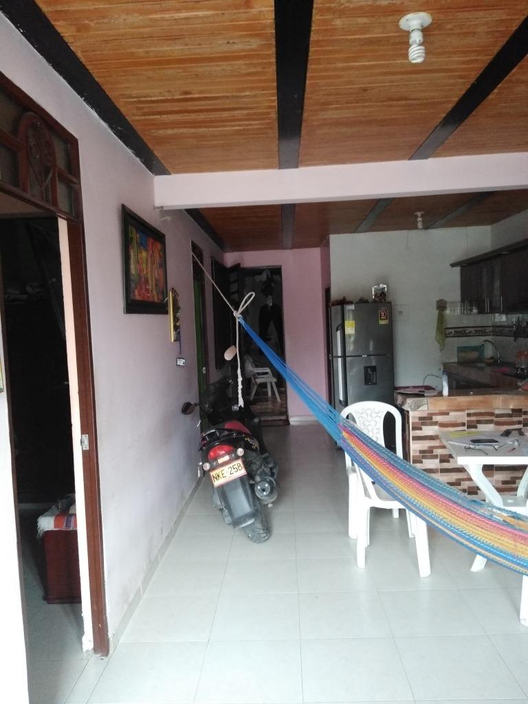 vendo casa de 2 pisos independiente