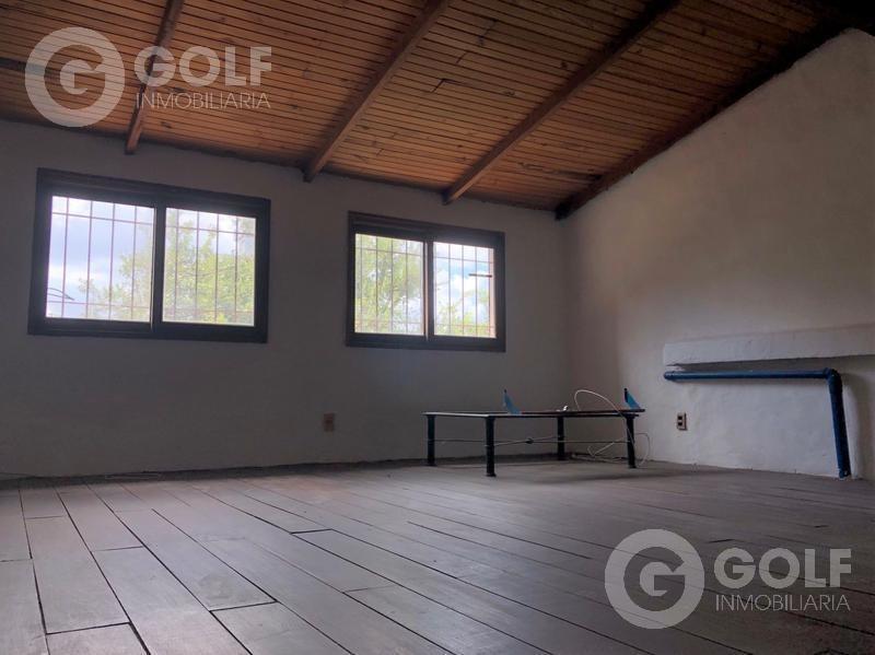 vendo casa de 3 dormitorios con playroom, fondo con parrillero, reciclaje parcial, pocitos, montevideo
