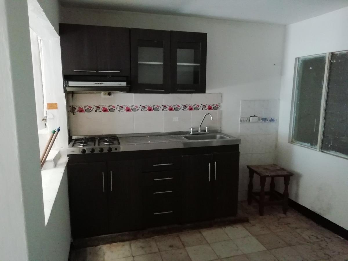 vendo casa de 4 alcobas, sala, comedor, patio, cocina y baño