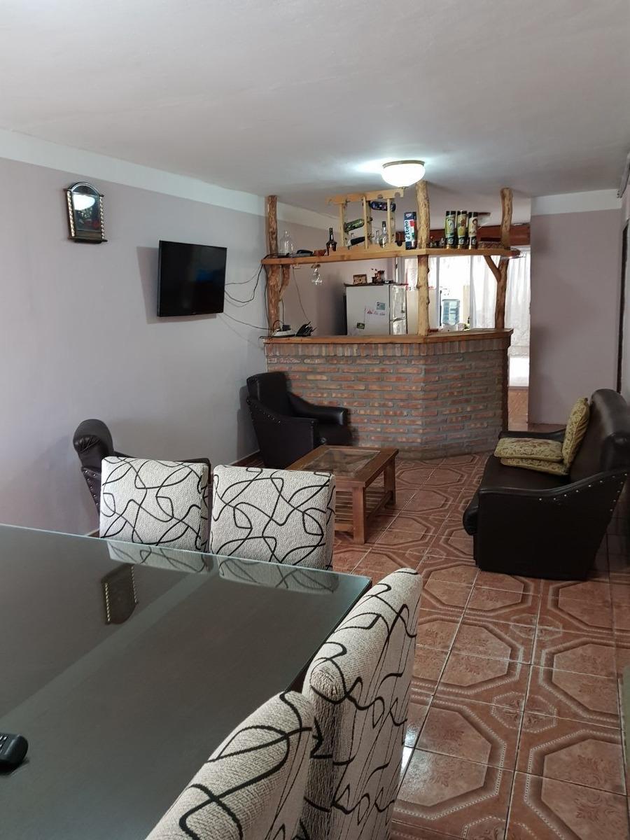 vendo casa de 4 habitaciones+2 baños+ living+ cocina+comedor