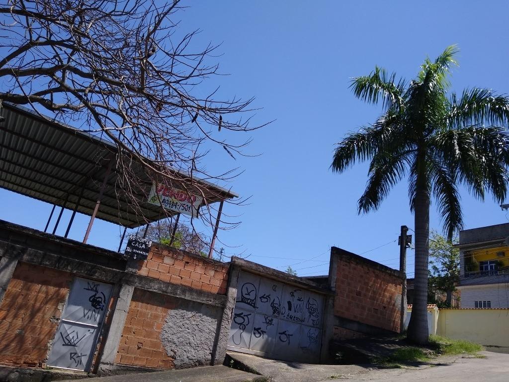 vendo casa de esquina em nova iguaçu.