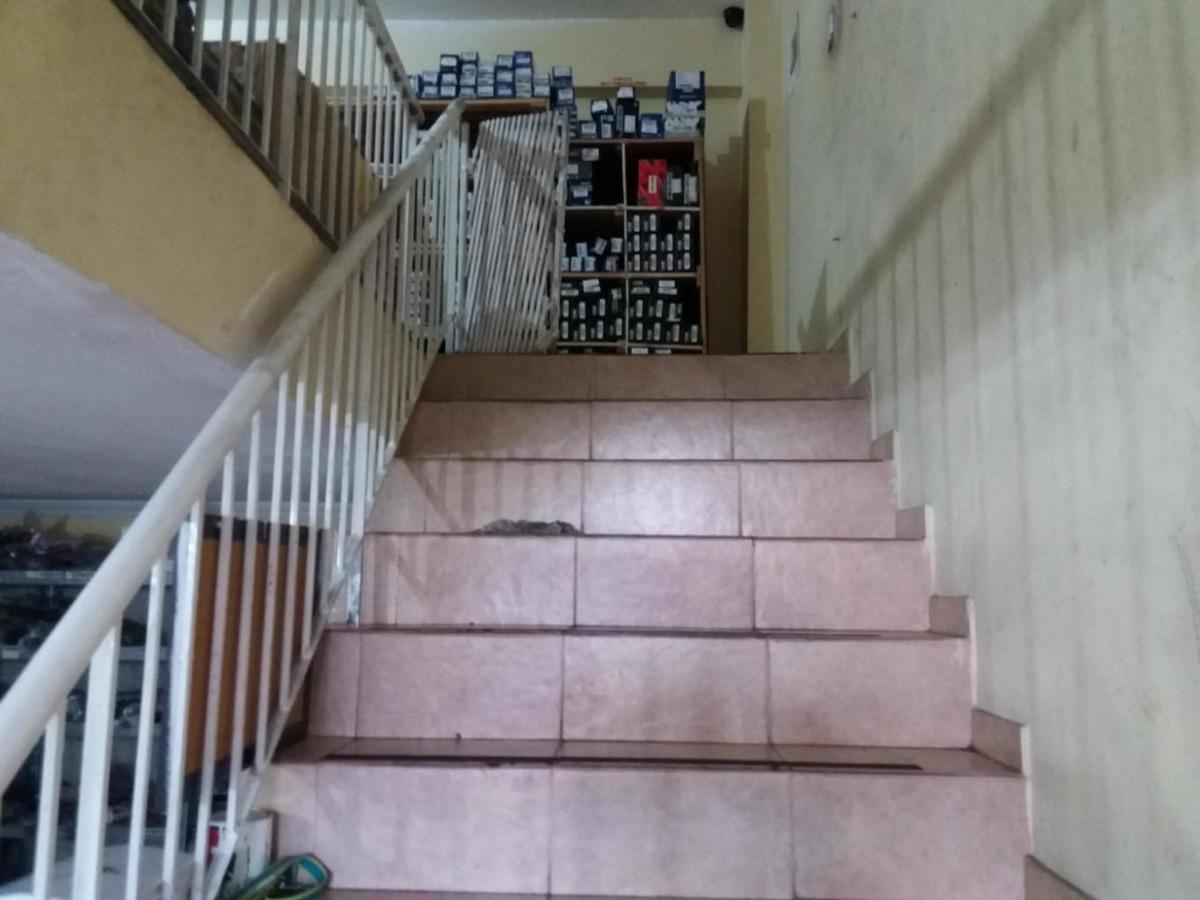 vendo casa de repuestos en vía españa, 19-7281**gg**