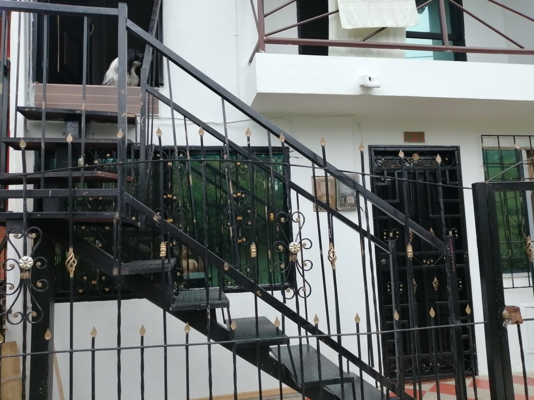vendo casa de tres niveles