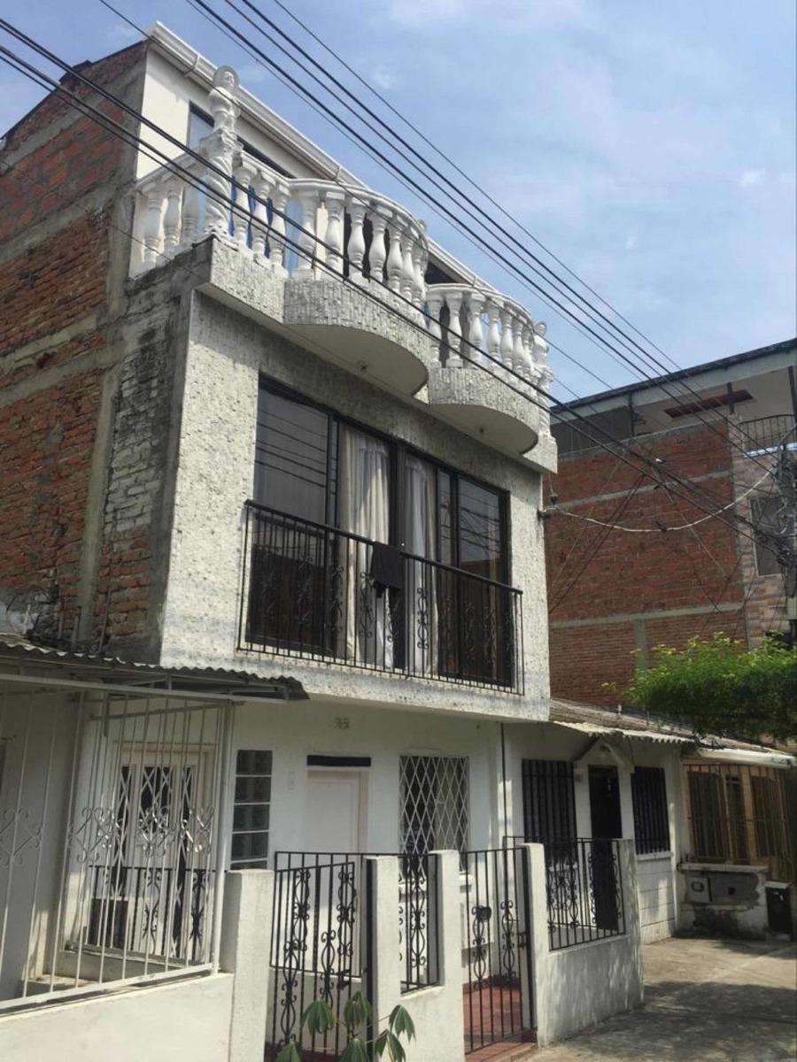 vendo casa de tres plantas independientes