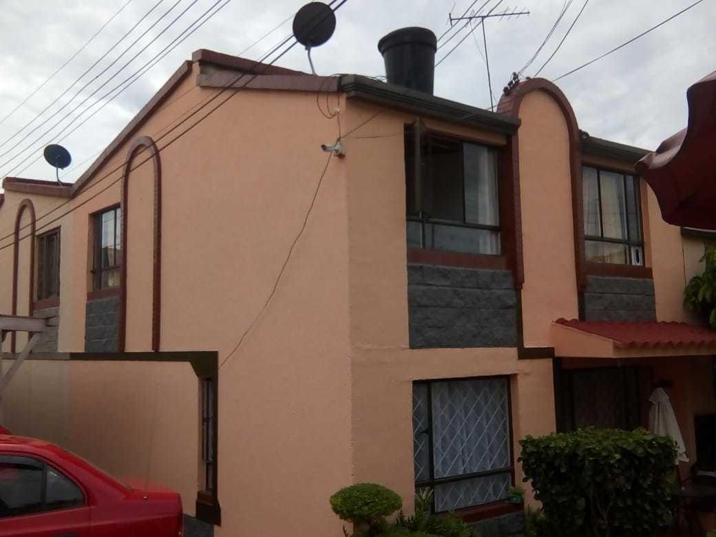 vendo casa dos pisos familiar