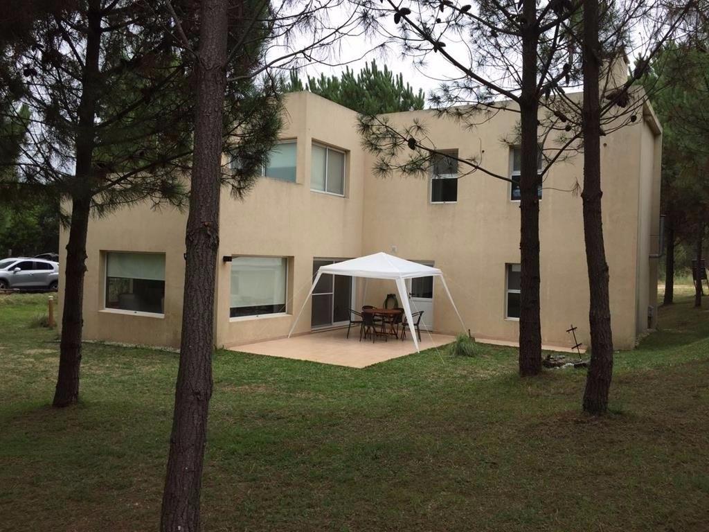 vendo casa dos plantas residencial 1 # 405 costa esmeralda