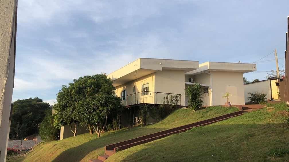 vendo casa em guararema - sp 3 quartos e 2 chalés externos