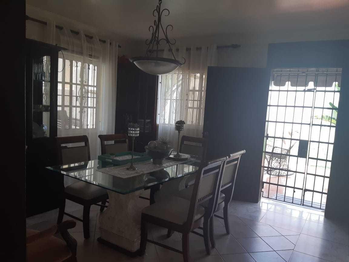 vendo casa en afimar km 7 av. independencia  solar 274 m2