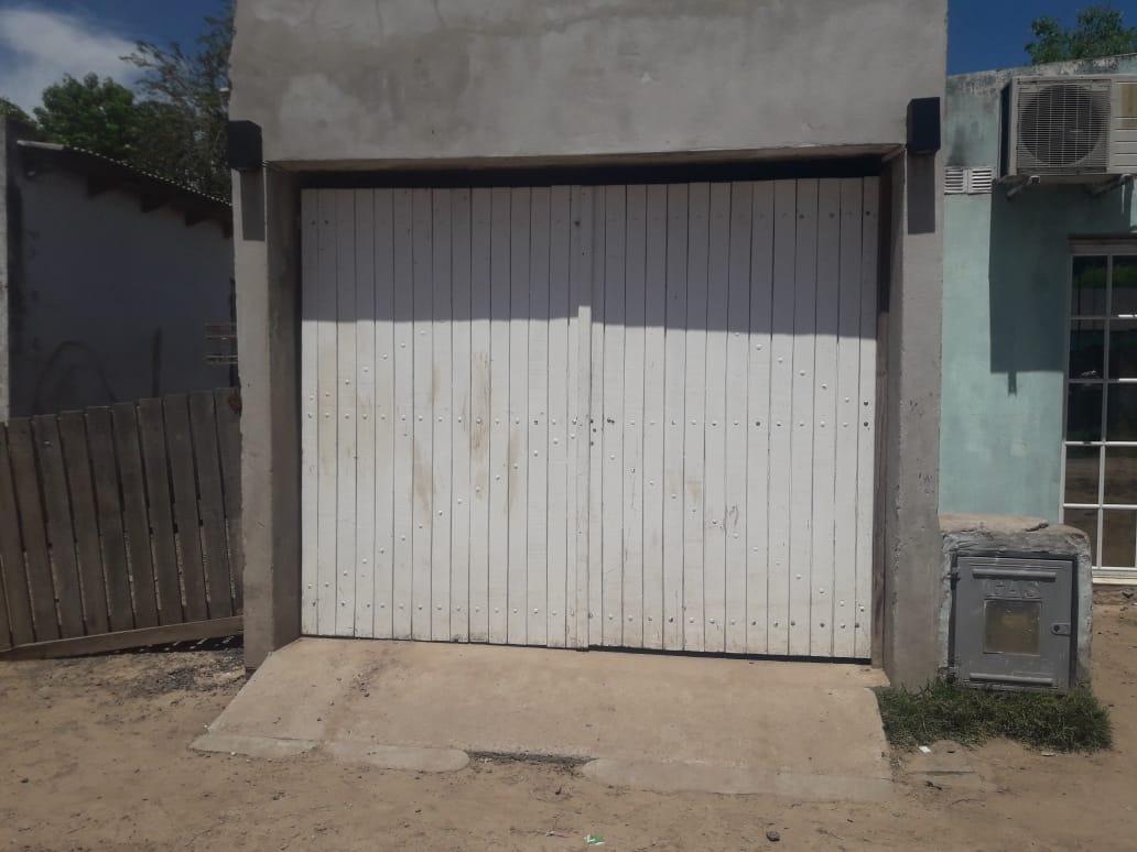 vendo casa en cañuelas barrio 9 de julio