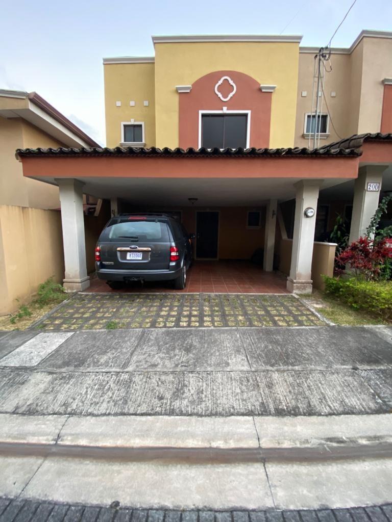 vendo casa en condominio hacienda imperial